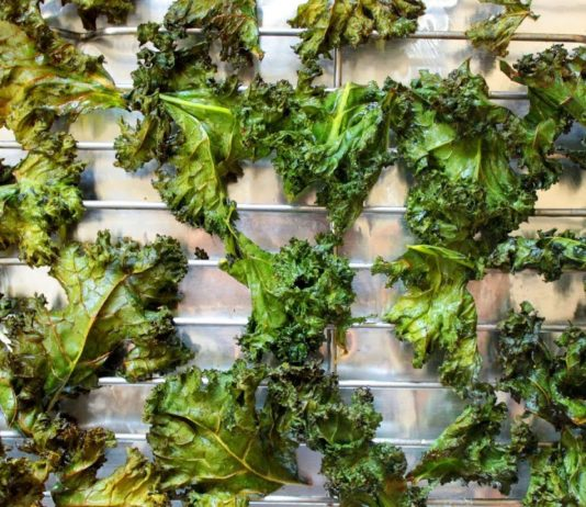 Keto Curried Kale Chips | Easy Keto Recipes | Headbanger's Kitchen