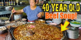 40 YEAR OLD Beef Soup That NEVER Stops Boiling in Bangkok Thailand