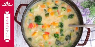 A PERFECT SOUP FOR WINTER NIGHTS: LOW-CARB, HIGH PROTEIN CREAMY DETOX SOUP⎜OIL-FREE & VEGAN